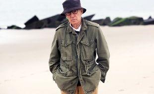 Le réalisateur Woody Allen, sur le tournage de son dernier film, Un jour de pluie à New York