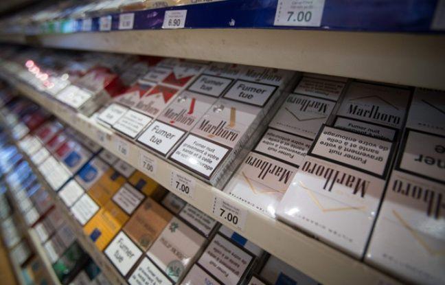 tabac le paquet de cigarettes neutre arrive en france. Black Bedroom Furniture Sets. Home Design Ideas