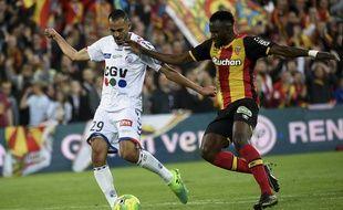 Le Racing club de Strasbourg et le Racing club de Lens se rendent coup pour coup dans un énorme choc, ce lundi 8 mai.