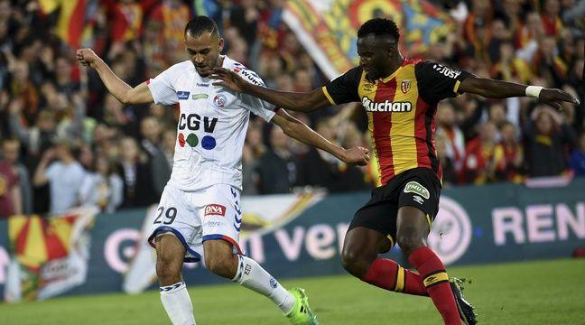 Le Racing club de Strasbourg et le Racing club de Lens se rendent coup pour coup dans un énorme choc, ce lundi 8 mai. – FRANCOIS LO PRESTI / AFP
