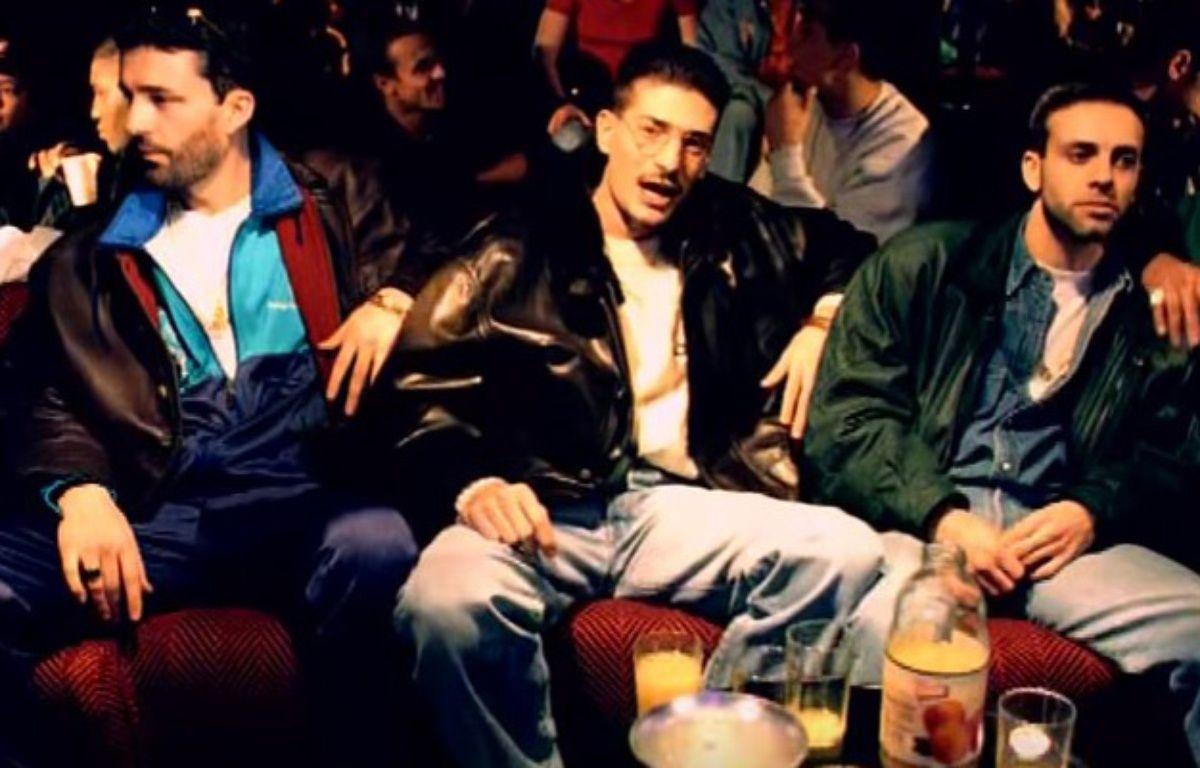 En 1993, IAM sort son tube Je danse le Mia – IAM