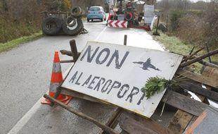 LA PAQUELAIS, le 28/01/2013 Barrage sur la route entre La PAQUELAIS et Notre Dame des Landes