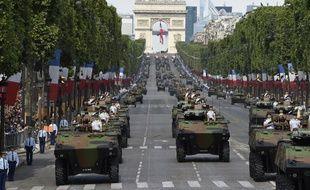 Des blindés sur les Champs-Elysées à l'occasion du défilé du 14 juillet 2016.