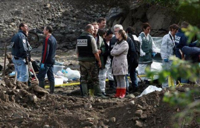 Il y a un an, le 4 juin vers 22h50, disparaissait Alexandre Junca, jeune sans histoires de 13 ans, à seulement 200 mètres de chez son père, à Pau. Depuis, son corps démembré a été retrouvé. Mais les enquêteurs ont peu avancé sur ce crime qui a ébranlé la ville.