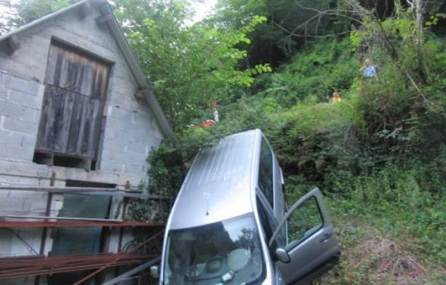 Pyrénées : un minibus chute dans un ravin avec sept enfants à bord