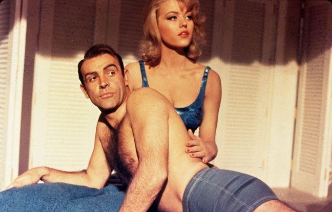 Sean Connery et Margaret Nolan dans Goldfinger.