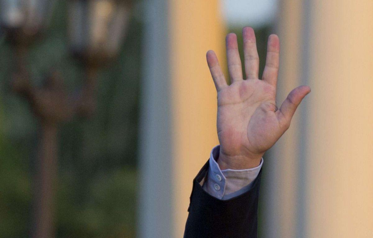Illustration: la main d'un homme. – Natacha Pisarenko/AP/SIPA