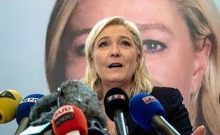 La présidente du FN Marine Le Pen s'exprime lors d'une conférence de presse, le 7 décembre 2015 à Lille