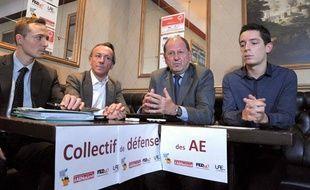 Le collectif de défense des autoentrepreneurs lors d'une conférence de presse le 5 juin 2013.
