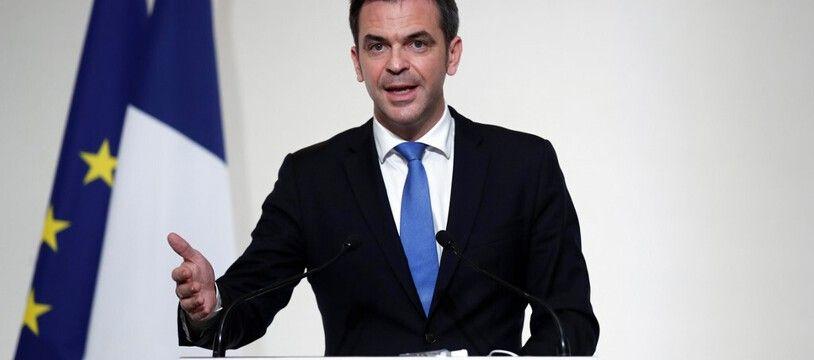 Le ministre de la Santé, Olivier Véran, lors de la conférence de presse sur la campagne vaccinale contre le Covid-19, le 3 décembre 2020 à Paris.