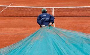 Deuxième jour à Roland-Garros et déjà la pluie, Paris, le 26 mai 2008.