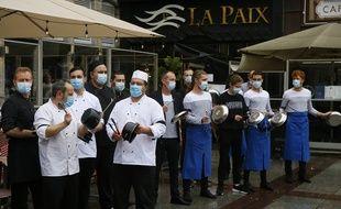 S'ils ne ferment pas, les restaurateurs se voient imposer des règles sanitaires toujours plus strictes