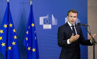 Le président français Emmanuel Macron lors d'une conférence de presse lors du mini sommet sur l'immigration à Bruxelles dimanche 24 juin 2018.