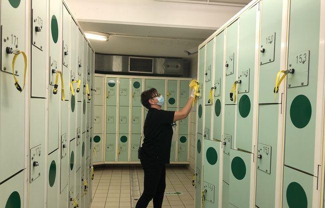 Seuls les casiers et cabines munis d'une pastille vertes sont accessibles (ici à la piscine Jules-Verne).
