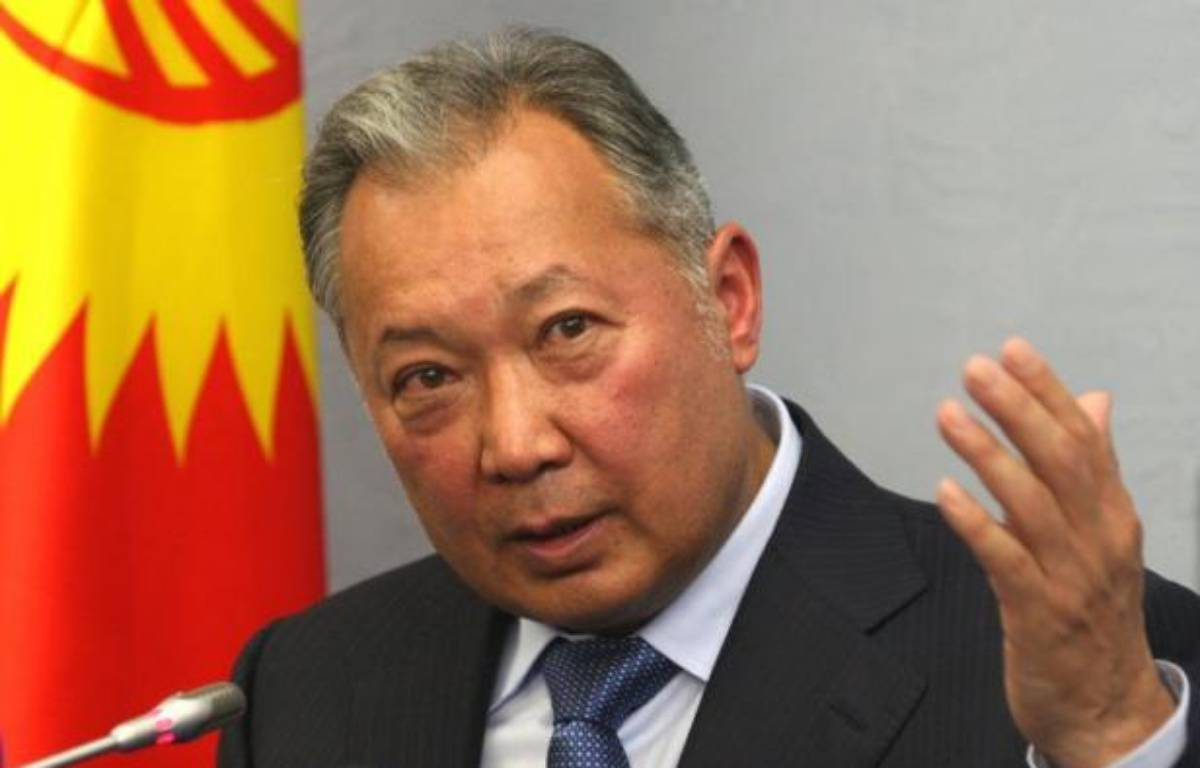 """L'ex-président kirghiz Kourmanbek Bakiev a été condamné mardi par contumace à 24 ans de prison pour abus de pouvoir et son frère Janych à la perpétuité dans l'affaire du meurtre en 2009 d'un haut responsable surnommé """"l'éminence grise"""" de la nation. – Alexey Gromov afp.com"""