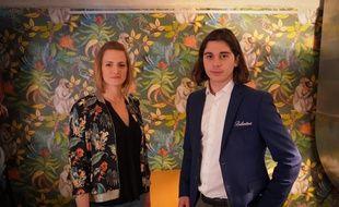 A gauche, Marine DAVAINE, artisan-ébéniste à Paris et à droite, Thibaud SULZER, ambassadeur de marque Ballantine's.