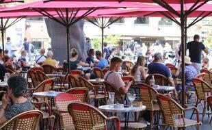 Terrasse de café à Bordeaux