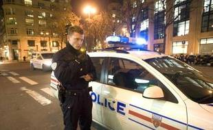 La compagnie de securisation en patrouille à Paris, le 18 décembre 2009