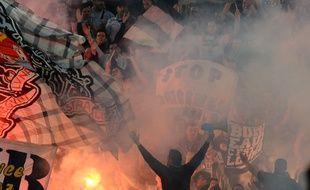 Les ultramarines, supporters des Girondins, lors d'un match entre Bordeaux et Lorient, disputé le 7 mai 2016 au Matmut Atlantique.