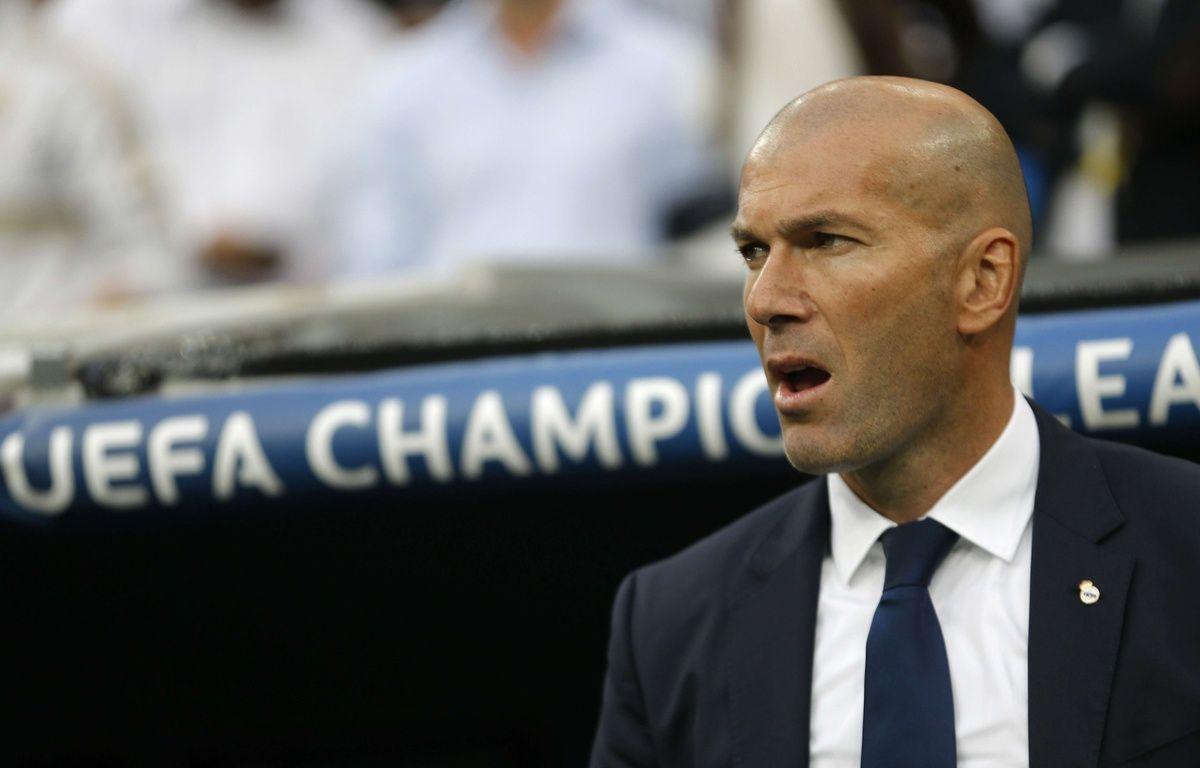 Zinédine Zidane sur le banc du Real Madrid.  – Francisco Seco/AP/SIPA