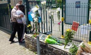 Des fleurs avaient été déposées devant le collège de Cleunay, à Rennes, où Kylian était inscrit. Ici en juin 2012.