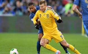 L'ukrainien Yarmolenko face à Patrice Evra, le 15 novembre 2013 à Kiev.