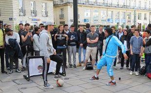 Séan Garnier en pleine démonstration devant ses fans.