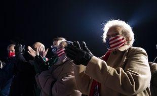 Des supporteurs de Donald Trump lors d'un meeting à Omaha, dans le Nebraska, le 27 octobre 2020.
