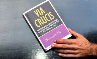 """Le livre """"Via crucis"""" est présenté à la presse à Rome le 2 novembre 2015"""