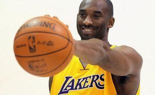 La vedette des Lakers de Los Angeles Kobe Bryant n'a pas caché dimanche son mécontentement à propos du transfert de Lamar Odom vers Dallas, le champion NBA en titre.