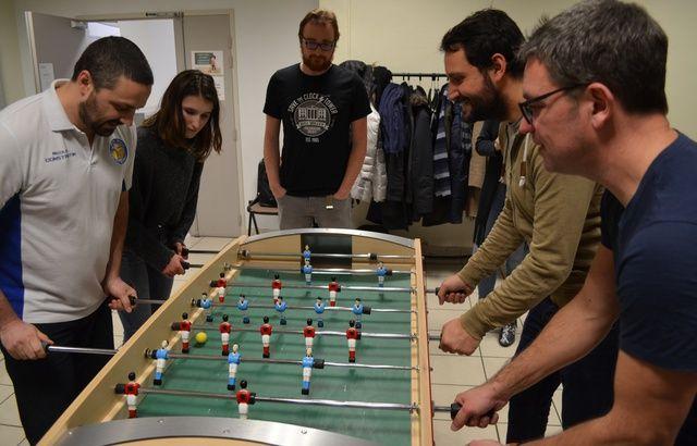 La première école française de baby-foot naît à Lyon  640x410_vingtaine-curieux-retrouves-jeudi-soir-lyon-lancement-premiere-ecole-baby-foot-france