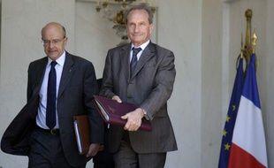 Les ministres des Affaires étrangères et de la Défense, Alain Juppé et Gérard Longuet, le 1er juin 2011, à Paris.