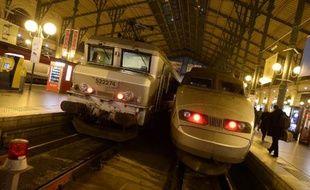 La ligne ferroviaire Brest-Saint-Brieuc était coupée mardi matin à la suite du passage de la perturbation Dirk, selon la SNCF, qui a annoncé un retour à la normale dans la matinée.