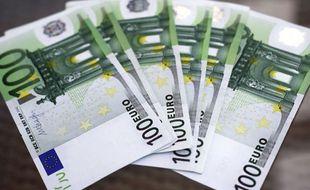 Une liasse de billets de 100 euros