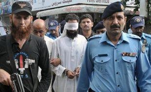 Un tribunal pakistanais a acquitté un imam qui avait accusé une adolescente chrétienne de blasphème, avant d'être arrêté lui-même pour les mêmes charges, une affaire qui avait suscité une vive émotion dans le monde.