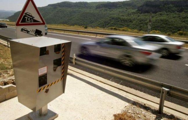 Les recettes générées par les radars routiers devrait atteindre un niveau record en 2012, entre 675 et 700 millions d'euros, contre 639 millions en 2011, selon des estimations de l'Agence nationale du traitement automatisé des infractions (Antai) citée vendredi par Les Echos.