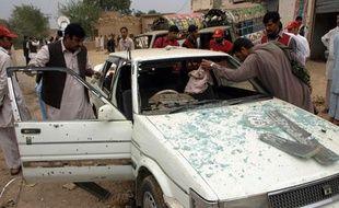 Un nouvel attentat suicide a fait 12 morts à Peshawar au Pakistan le 8 novembre 2009.
