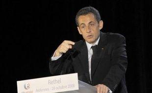 """Nicolas Sarkozy a demandé mardi aux parlementaires de se saisir """"maintenant"""" et """"sans tabou"""" d'une proposition de loi """"qui a été préparée"""" sur le travail dominical."""
