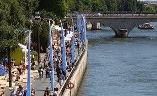 La onzième édition de Paris-Plages touche à sa fin comme prévu dimanche soir, même si la ville s'est posé la question d'une prolongation en raison de la chaleur qui sévit sur la capitale