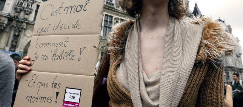 Lors de la manifestation parisienne annuelle pour les droits des personnes transgenre, l'Existrans.