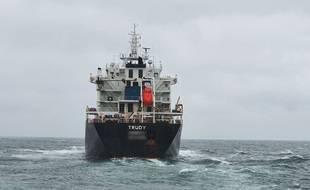 Le Trudy est actuellement stationné au port de Dunkerque.