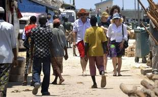 L'attaque vendredi contre deux touristes suisses au Kenya, dernière en date d'une série de violences visant des étrangers, est un nouveau coup dur pour l'industrie touristique de ce pays très prisé des Occidentaux et déjà affecté par les violences post-électorales de 2007-2008.