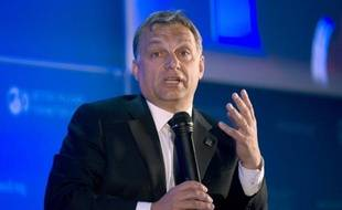 Nouvelle constitution aux accents très nationalistes le 1er janvier, pêle-mêle de réformes controversées: en deux ans, le Premier ministre conservateur Viktor Orban a isolé la Hongrie au sein de l'Europe, face aux Etats-Unis et au Fonds monétaire international
