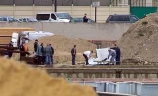 Les policiers ont retrouvé un corps dans la Seine le 28 février.