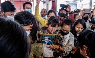 Les funérailles d'un manifestant contre la junte militaire, le 29 mars 2021 à Taunggyi en Birmanie.