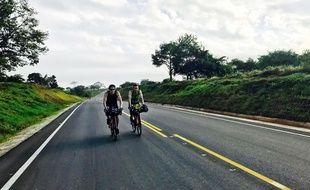 Les Niçois Axel et Andréas tentent de relier la Colombie à l'Argentine en 58 jours.