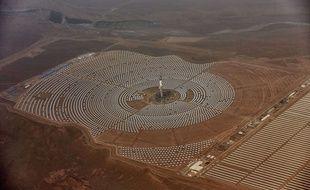 Vue aérienne de la centrale solaire de Noor Ouarzazate au Maroc.