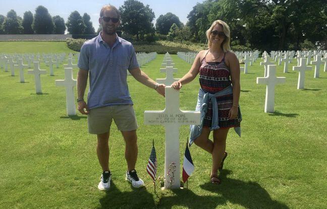 L'arrière petit-fils d'Ellis Pope, en visite au cimetière de Saint-Avold, sur la tombe de son aïeul.