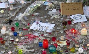 Marseille, le 16 novembre 2015, minute de silence en hommage aux victimes des attentats de Paris.