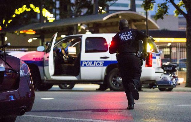 Au moins trois policiers ont été tués par deux snipers à Dallas, le 7 juillet 2016, en marge d'une manifestation contre les violences policières.